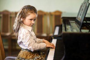 girl at piano / kaizen